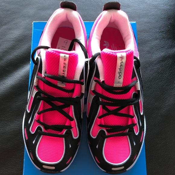 🆕Adidas Shoes. NWT  08041